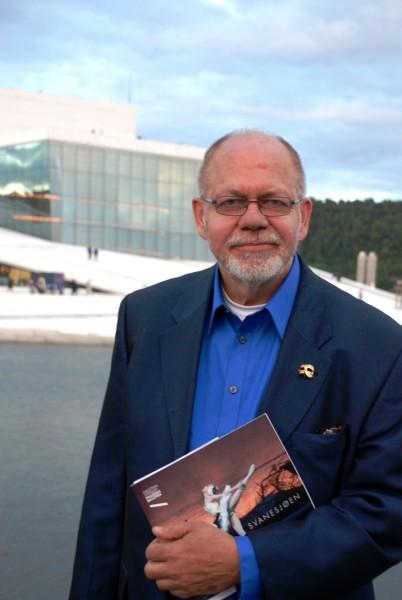 Redaktør Henning Høholt i Kulturkompasset setter et undrende spørsmålstegn ved den øvrige pressens uttalelser om at Operaen er blitt internasjonal under Per Boye Hansens to år som operasjef i huset. GLEMMER DE FORT?  Foto Tomas Bagackas.