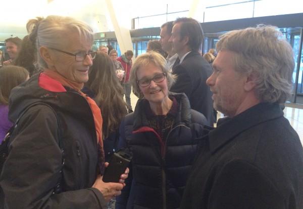 Ellen Kjellberg, Anne Borg og Ketil Gudim i munter ballett passiar. Foto Henning Høholt