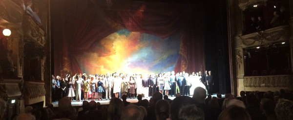 La Traviata opened with a powerful Marseillaise (Photo: Torkil Baden)